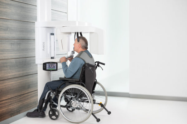 IMG-Image-Axeos-Positioning-Wheelchair-02